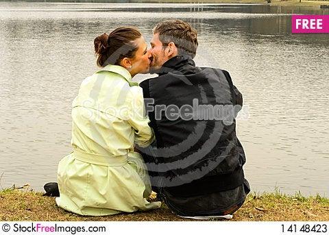 Free Kissing Couple Stock Photos - 14148423