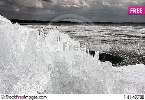 Free Spring Ice Royalty Free Stock Photos - 14149788
