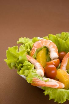 Free Salad With Shrimps Royalty Free Stock Image - 14144876