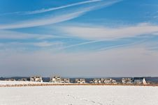 Free Landscape With  Housing Area In Snow And Blue Sky Royalty Free Stock Photo - 14149365