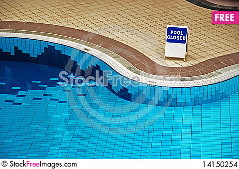 Free Swimming Pool Stock Images - 14150254