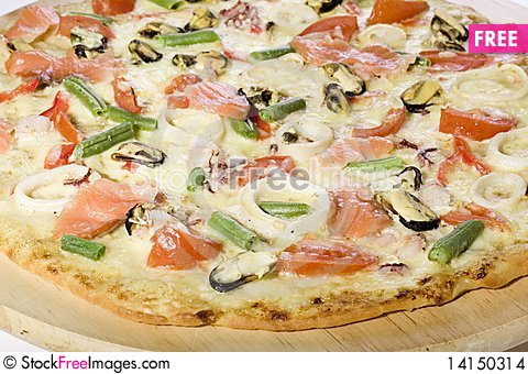 Free Seafood Pizza Stock Images - 14150314