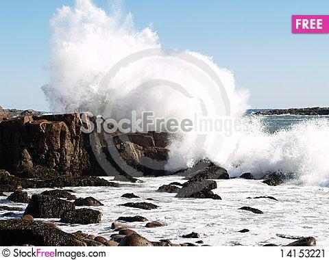 Free Crashing Wave Stock Image - 14153221