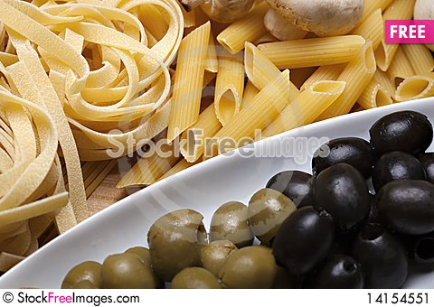 Free Cooking With Italian Ingredients Stock Image - 14154551