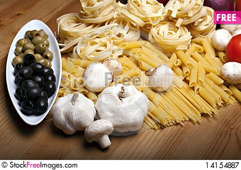 Free Cooking With Italian Ingredients Royalty Free Stock Photography - 14154887