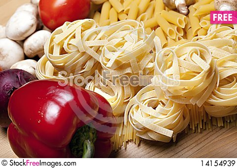 Free Cooking With Italian Ingredients Royalty Free Stock Images - 14154939
