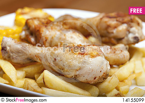 Free Grilled Chicken Leg Royalty Free Stock Images - 14155099