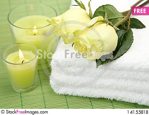 Free Roses And Candles Royalty Free Stock Photos - 14155818