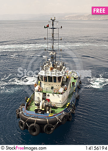 Free Tug Boat Working Sailing Vessel Stock Images - 14156194