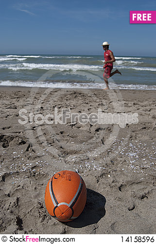 Free Ball Royalty Free Stock Image - 14158596