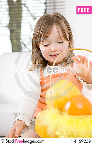 Free Little Girl With Fruits Royalty Free Stock Images - 14159259