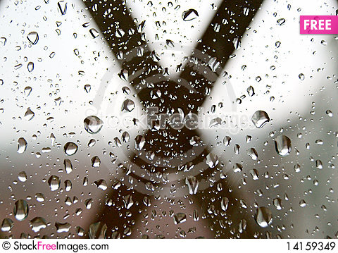 Free Spring Rain On The Window Royalty Free Stock Images - 14159349