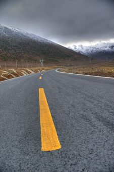 Mountain Road Sky Snow Royalty Free Stock Photos