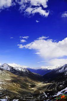 Free Snow Mountain Royalty Free Stock Photo - 14150525