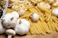 Free Cooking With Italian Ingredients Royalty Free Stock Photos - 14154468