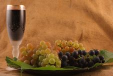 Free Glass Of Wine, Grapes On A Plate Stock Photo - 14157140