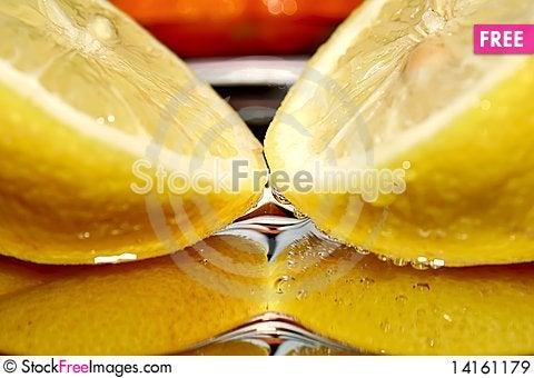Free Fresh Lemons. Royalty Free Stock Images - 14161179