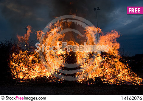 Free Fire Flame Royalty Free Stock Image - 14162076