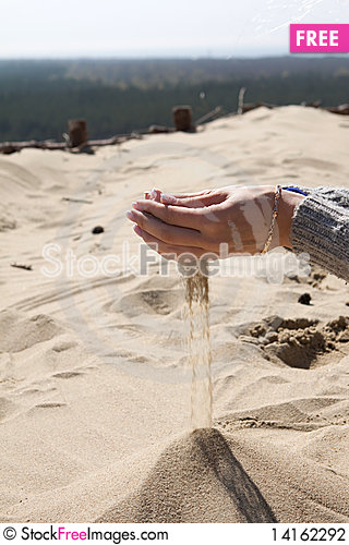 Free Hands Playing With Sand Stock Photography - 14162292