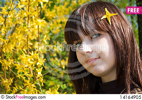 Free Beautiful Girl With Spring Flowers Royalty Free Stock Photo - 14164905