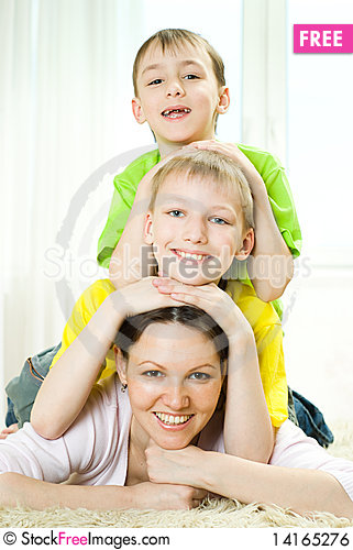 Free Mother With Children Lying Royalty Free Stock Image - 14165276