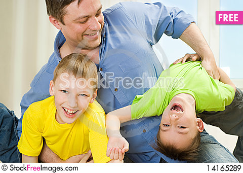 Free Brothers And Father Playing Royalty Free Stock Images - 14165289