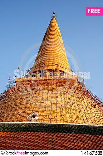 Free Thai Style Stupa Royalty Free Stock Photos - 14167588