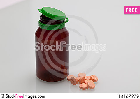 Free Bottle And Pills Royalty Free Stock Images - 14167979