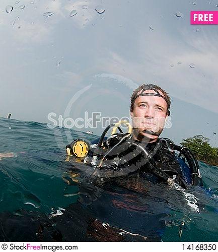 Free Male Scuba Diver Stock Photo - 14168350