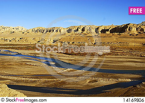 Free River Cut Through Ground Royalty Free Stock Image - 14169806