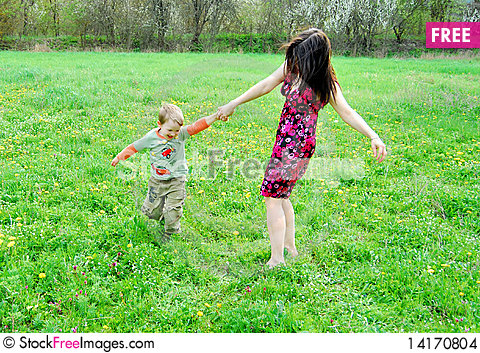 Free Mum And The Son On A Walk Stock Images - 14170804