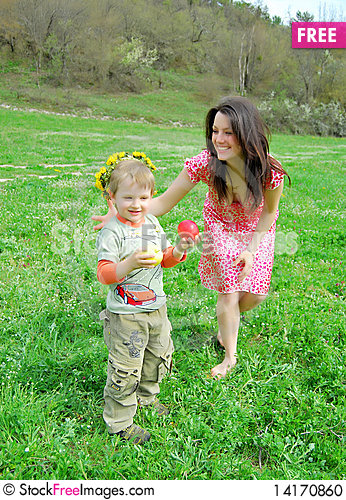 Free Mum And The Son On A Walk Stock Photo - 14170860