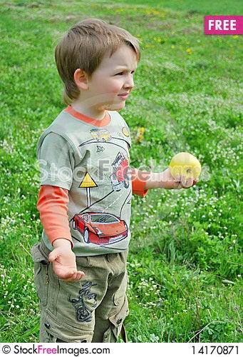 Free The Little Boy On Walk Stock Image - 14170871