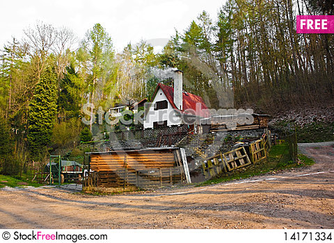 Free Mountain House Stock Images - 14171334