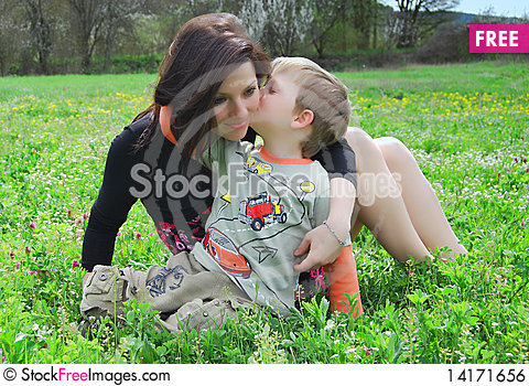 Free Mum And The Son On A Walk Royalty Free Stock Image - 14171656