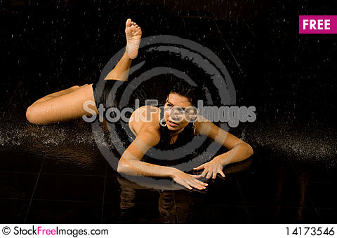 Free Full Length Portrait Of A Sexy Woman Royalty Free Stock Image - 14173546