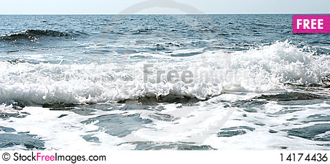 Free Waves On Sea Royalty Free Stock Image - 14174436