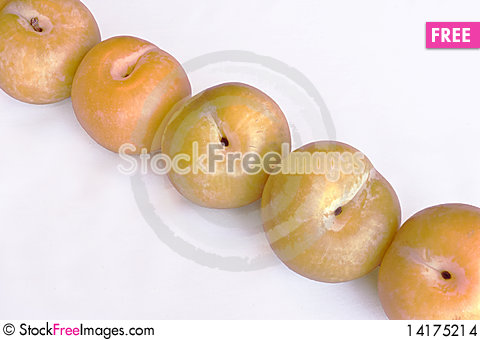 Free Yellow Plums Stock Images - 14175214