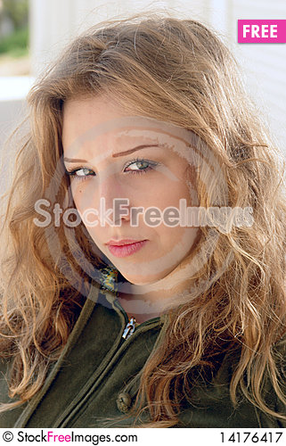Free Blonde Distrustful Face Expression Royalty Free Stock Photography - 14176417