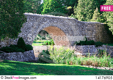 Free Stone Bridge Royalty Free Stock Photo - 14176905