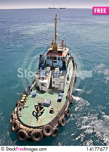 Free Tug Boat Working Sailing Vessel Royalty Free Stock Photography - 14177677