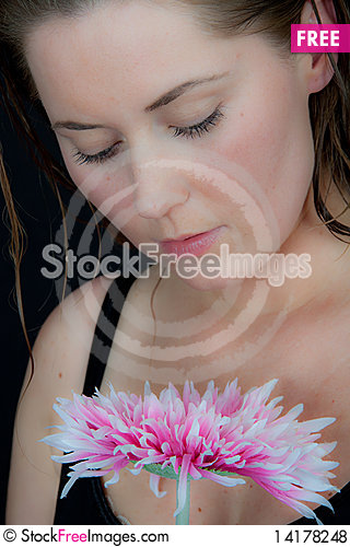 Free Woman With A Flower Royalty Free Stock Photos - 14178248