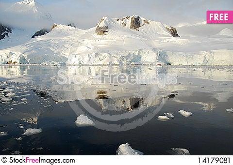 Free Icy Reflection Stock Image - 14179081