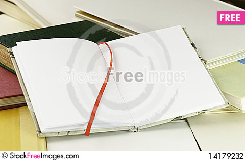 Free An Open Book Stock Photography - 14179232