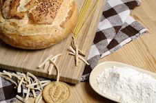 Free Bread And Flour Royalty Free Stock Image - 14175016