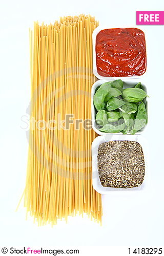 Free Spaghetti Bolognese Ingredients Royalty Free Stock Photo - 14183295