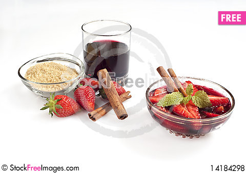 Free Strawberry Wine Royalty Free Stock Photos - 14184298