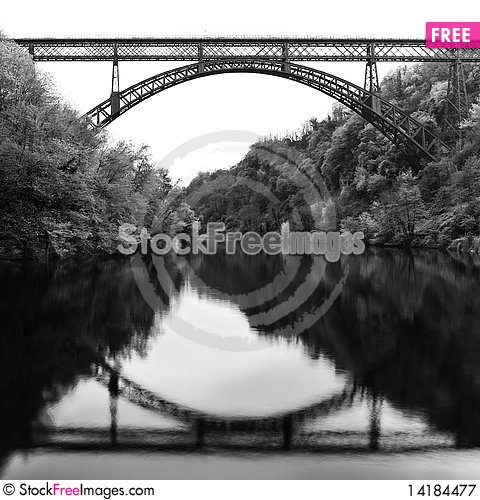 Free Iron Bridge Royalty Free Stock Photography - 14184477