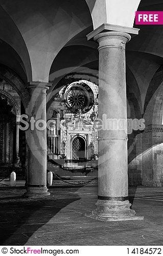 Free Column, Church And Palace At Night Stock Photography - 14184572