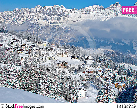 Free Small Village In Alps Royalty Free Stock Images - 14184949